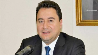 تركيا: باباجان يخرج عن صمته