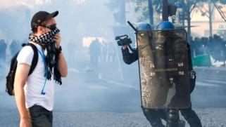 ظاهرات متزامنة تعيد التوتر إلى العاصمة الفرنسية