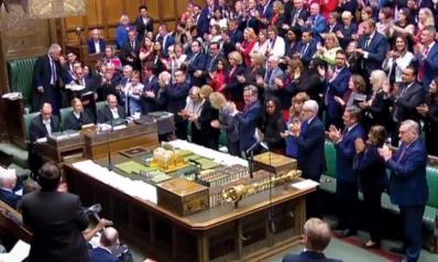 أزمة «بريكست» تطيح رئيس مجلس العموم البريطاني