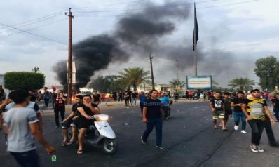 بغداد تطوّق المظاهرات: حشود العراقيين أمام الوزارات انتظاراً للتوظيف والإعانات