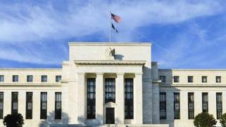 انقسام متزايد في المركزي الأمريكي حول الخطوة التالية بشأن السياسة النقدية