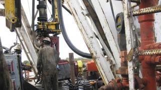 هل أفلست صناعة النفط الصخري بأميركا؟