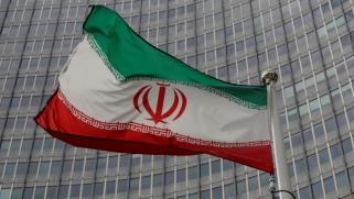 إيران.. نزيف مغادرة الشركات الدولية يتواصل ومطالب بمقاضاتها