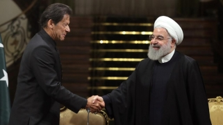 طهران: عمران خان نقل رسالة من بن سلمان يطلب فيها الحوار مع إيران