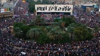 نيويورك تايمز: تكتيك قمع الاحتجاجات ودعم الحكومة سيأتي بنتائج عكسية بالعراق