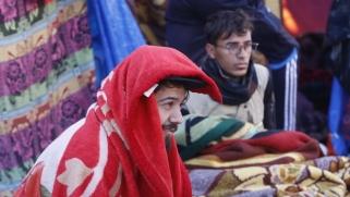 """""""ولدنا لنموت"""".. لهذا لم يفقد معاقو احتجاجات العراق الأمل بالحراك"""