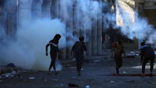 الحكومة تتحدث عن طرف ثالث.. من يقف وراء قتل المتظاهرين العراقيين؟