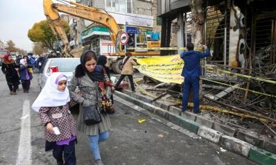 إيران تتجاهل التحذيرات الدولية وتمعن في قمع المحتجين