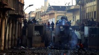 على وقع المظاهرات.. برلمان العراق ينهي عمل مجالس المحافظات ويفشل في قانون الانتخابات التشريعية