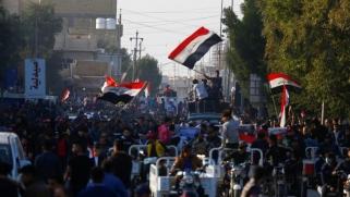 العراق.. المتظاهرون بالساحات والسيستاني يحذر من التدخل في اختيار الحكومة
