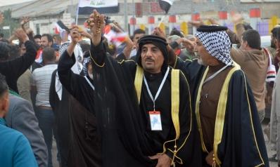 العشائر.. ملاذ المحتجين والسلطة للسيطرة على الأوضاع في العراق