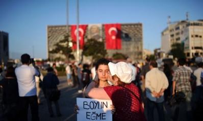 جان دوندار: تركيا الآن بلد حزين