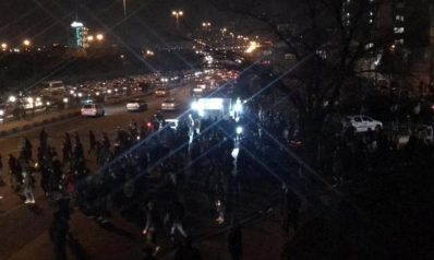 احتجاجات إيرانية منددة بإسقاط الطائرة الأوكرانية.. دعم أميركي للمتظاهرين واعتقال معارض بارز
