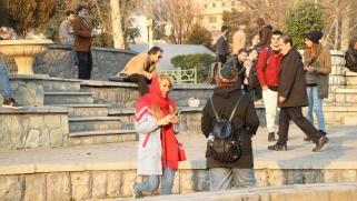 الشباب والانتخابات البرلمانية بإيران.. مطالب كثيرة وثقة مفقودة
