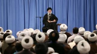 خامنئي يقحم كورونا في نظرية مؤامرة الغرب لضرب انتخابات إيران
