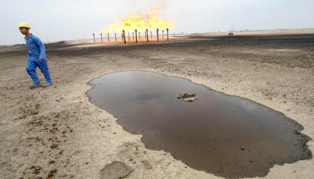 تقارير: إيران تسرق النفط العراقي لتمويل مصالحها في سوريا والعراق