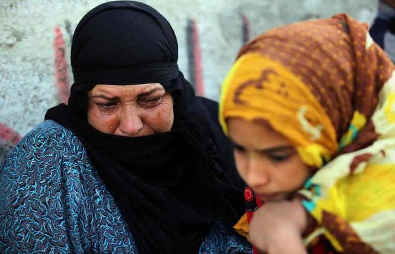 """آلاف النازحين العراقيين على أبواب بغداد في """"انتظار الكفيل"""""""