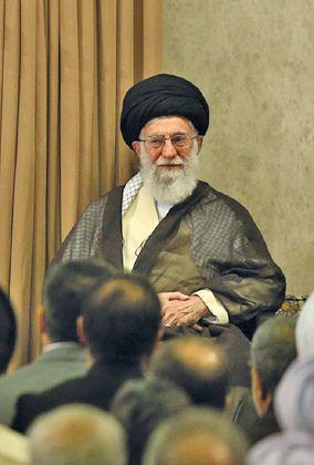 إيران إقليمياً… حكايات التمدُّد والانكفاء قبل الشاه وبعده