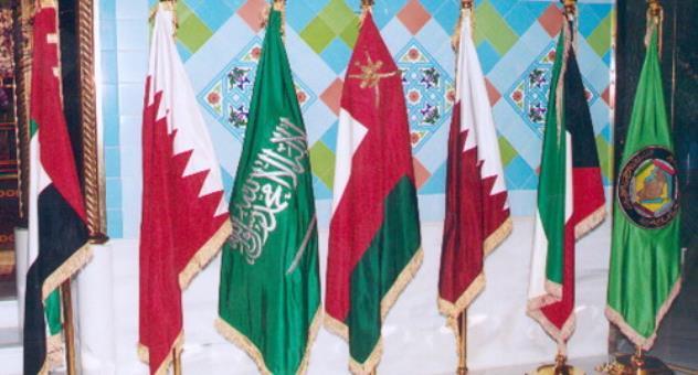 الهوية الملكية: لماذا تتضامن دول الخليج برغم خلافاتها؟.. محاولة لفك الالتباس