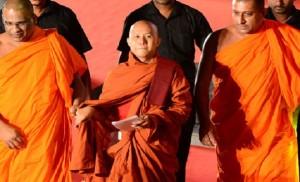 4714332_7_1ca1_le-moine-birman-wirathu-au-centre-a-ete_67b58f72f9e0cbd45562710ecb207e3e