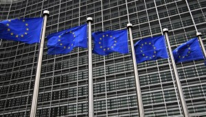 European Union flags fly in front of the European Commission headquarters in Brussels October 12, 2012. The European Union won the Nobel Peace Prize on Friday for promoting peace, democracy and human rights over six decades in an award seen as a morale boost as the bloc struggles to resolve its economic crisis. REUTERS/Yves Herman (BELGIUM - Tags: POLITICS)