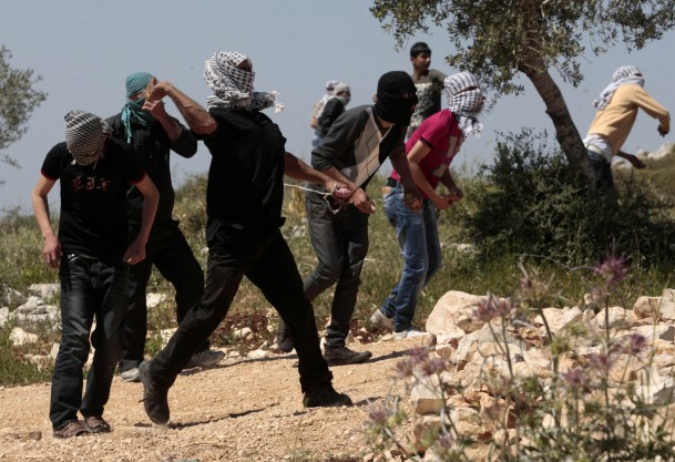 صدمة كيري في شباب فلسطين