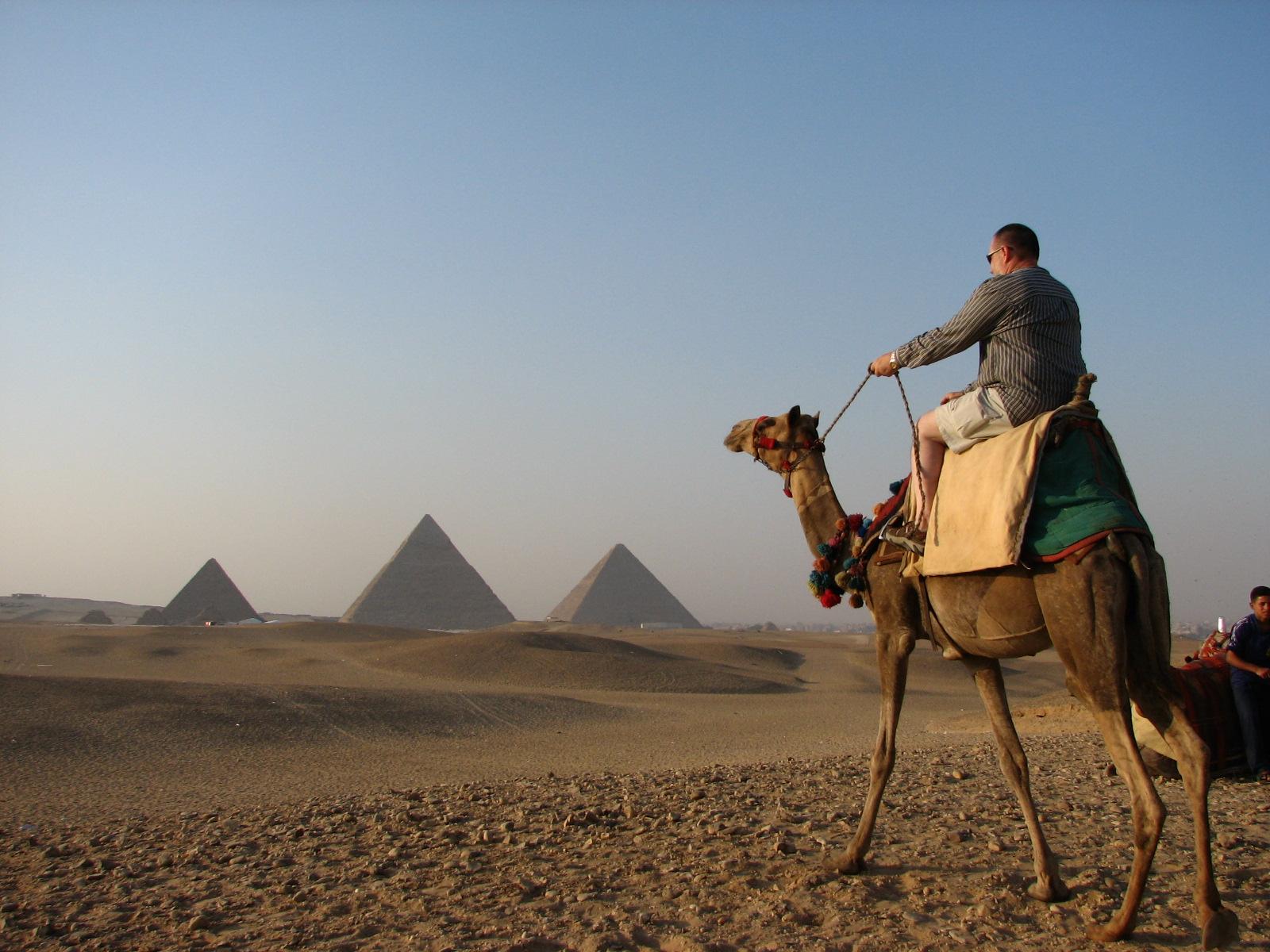 حادث الطائرة الروسية : تساؤلات حول مستقبل السياحة في مصر