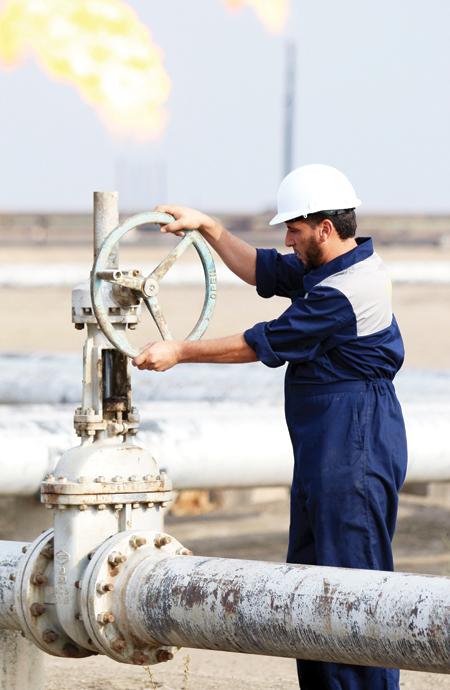 العراق يبحث تزويد الأردن ومصر بالنفط والغاز