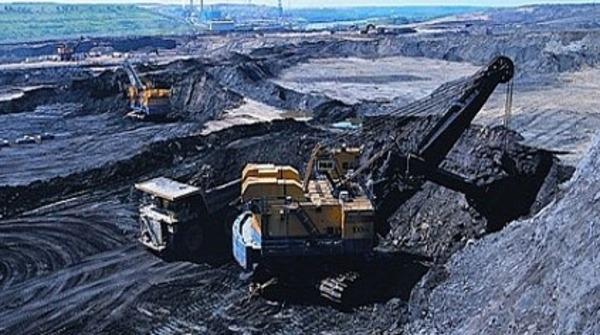 النفط الصخري هل يعود «ضيفاً ثقيلاً»؟