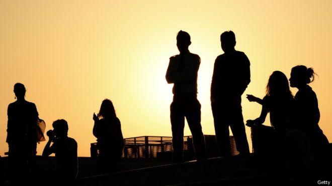 الإشكاليات والحلول: نحو رؤية واقعية لتمكين الشباب