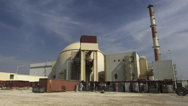 هدية أوباما الأخيرة لإيران.. 130 طن يورانيوم سراً