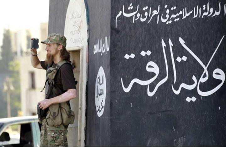 """أعداء """"داعش"""" يتجمعون للاستيلاء على الرقة.. ولكن متى -وكيف؟"""