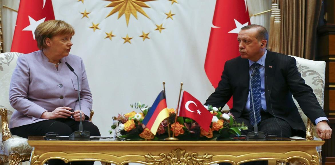 حدود التسخين والتهدئة في الأزمة بين تركيا وأوروبا