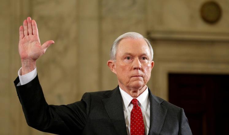 وزير العدل الأميركي ينفي لقاء الروس ودعوات لاستقالته
