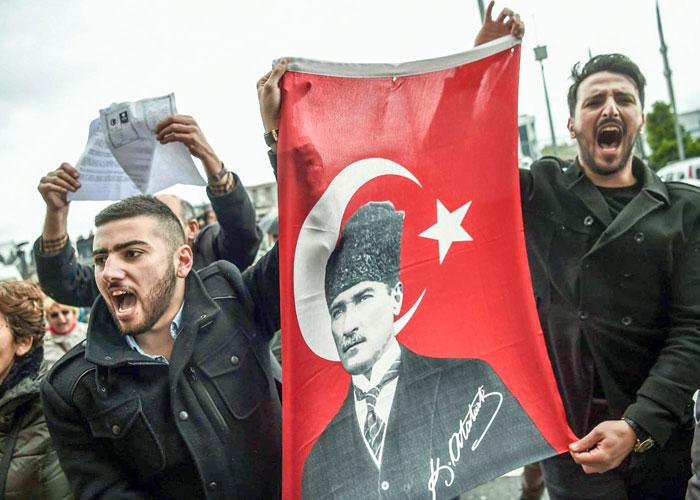 المعارضة التركية تقود تحركات واسعة لكشف التزوير في الاستفتاء
