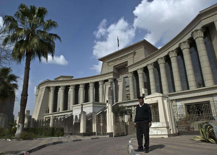 البرلمان المصري يغلق الملفات ويتفرغ لمسلسلات رمضان