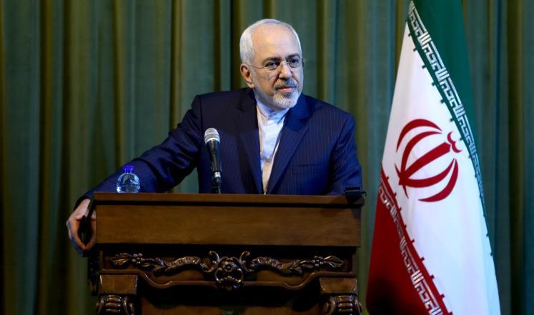 طهران تعتبر عقوبات واشنطن غير قانونية وتلوّح بالرد