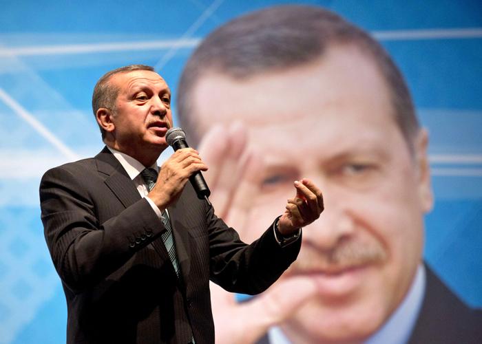 معارضة شرسة داخل العدالة والتنمية أمام إجراءات أردوغان لـ'تطهير' الحزب