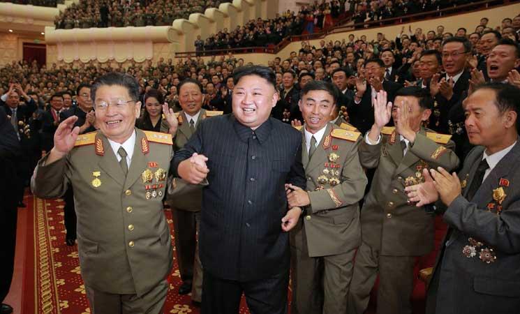 زعيم كوريا الشمالية يقيم احتفالا للعلماء النوويين وميركل تعرض دورا ألمانيا في محادثات محتملة