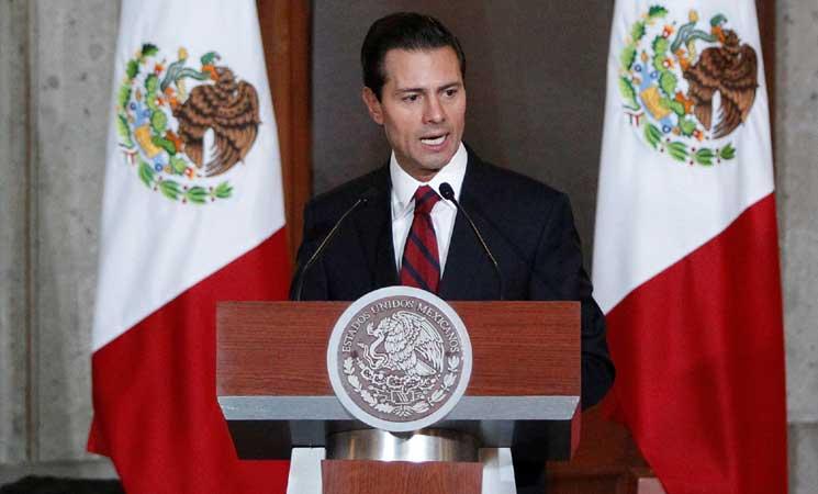 الرئيس المكسيكي يدافع عن كرامة بلاده والمهاجرين إلى الولايات المتحدة