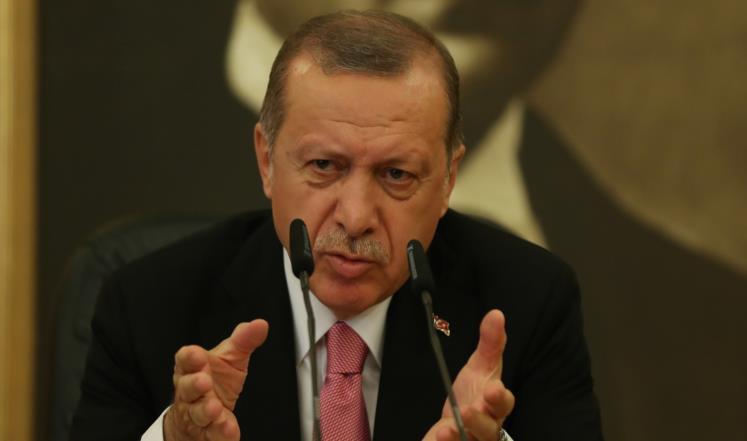 أردوغان يعلن بحث استفتاء كردستان مع العبادي