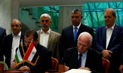 فتح وحماس توقعان اتفاق المصالحة وسط ترحيب فلسطيني