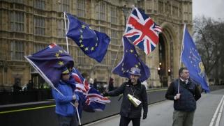 بريطانيون يطلقون حزب 'تجديد' الثقة في الاتحاد الأوروبي