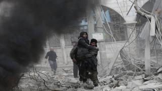 سورية: ارتفاع حصيلة الضحايا بقصف النظام وروسيا على الغوطة وإدلب