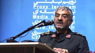 الطوق يضيق حول إيران مع تسرب اليأس إلى الحرس الثوري