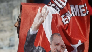 أتراك الخارج يدلون بأصواتهم في الانتخابات البرلمانية والرئاسية