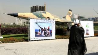 إيران تلوّح بورقة تعويضات الحرب في وجه العبادي