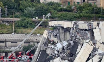العبور للموت.. عشرات القتلى بانهيار جسر بإيطاليا