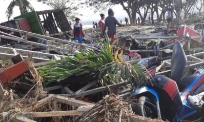 مئات القتلى.. تسونامي يفتك مجددا بإندونيسيا