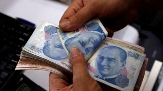 تركيا تغري الأجانب بجنسيتها مقابل شراء عقار أو إيداع أموال